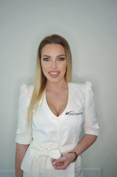Camille Beaute Microblading Team Paulina
